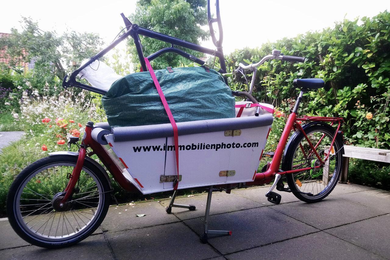 Lastenrad zum Recyclinghof.JPG